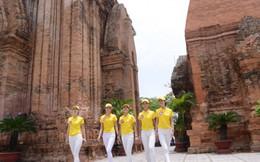 100 áo dài miễn phí cho du khách thăm Tháp Bà Ponagar