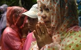 Cả thế giới cầu nguyện cho đội bóng nhí Thái Lan được bình an