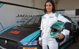 Tay đua nữ chuyên nghiệp đầu tiên trong lịch sử Saudi Arabia thành khách VIP