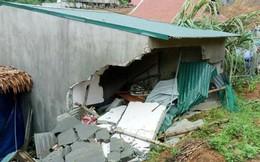 Bé gái 3 tuổi tử vong vì nhà sập trong cơn mưa lớn
