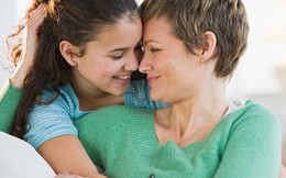 """Cách ứng xử của bà mẹ có con gái """"chưa chồng đã chửa"""""""