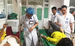 Nghệ An: Xe lật xuống ruộng, hàng chục nữ công nhân nhập viện cấp cứu