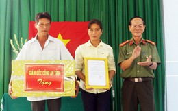 Hội Phụ nữ Công an tỉnh Quảng Ngãi trao mái ấm tình thương cho phụ nữ khó khăn