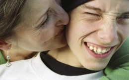 Giúp con dễ dàng nói 'con yêu mẹ'