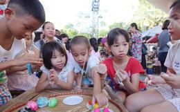 Ngày xuân đưa con chạm tay đến những giá trị văn hóa