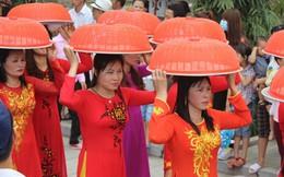 Nhộn nhịp hội đền Hát Môn