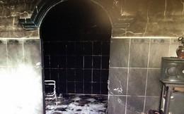 Phóng hỏa đốt nhà bạn gái vì không cho vay tiền