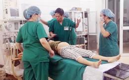 Hàng chục y bác sĩ cứu sống bà bầu vỡ tử cung khi mang thai 18 tuần