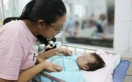 Lần đầu tiên tại Việt Nam: Cứu sống bé gái 2 tháng tuổi bị rò khí quản vào đường mật hiếm gặp