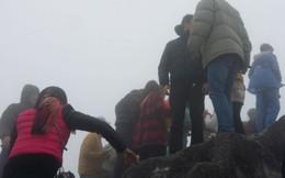'Họp chợ' trên đỉnh Fansipan