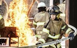 2 lính cứu hỏa nữ đầu tiên của Saudi Arabia