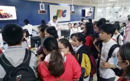 Tại sao sinh viên Sài Gòn 'rồng rắn' chen nhau đăng ký thi TOEIC?