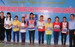 30 suất học bổng đến với trẻ em nghèo vùng hạn mặn