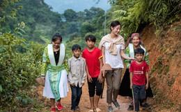 Hoa hậu Lương Thuỳ Linh lên núi làm đường cho bà con người Mông