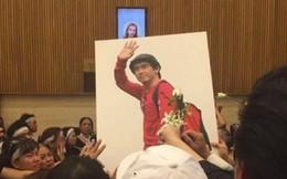 Bạn bè và người thân khóc ngất tiễn đưa Minh Thuận