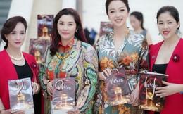 Hoa hậu Jennifer Phạm trải nghiệm mỹ phẩm TrueVans