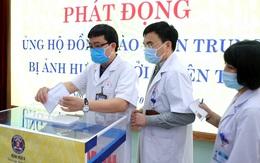 Công đoàn Y tế Việt Nam ủng hộ cán bộ y tế tại 5 tỉnh miền Trung bị lũ lụt