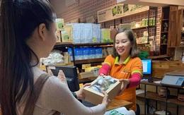 Đồ ăn lên set quà tặng thầy cô ngày Nhà giáo Việt Nam