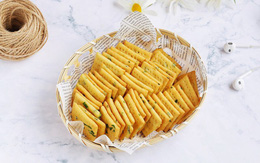 4 bước đơn giản làm bánh quy cracker giòn xốp hấp dẫn để dành ăn dần