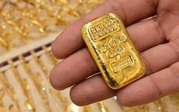 """Giá vàng khép lại tháng 7 """"rực rỡ"""" với mức tăng hơn 10%"""