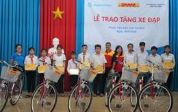Tặng 50 xe đạp cho học sinh có hoàn cảnh khó khăn ở Trà Vinh