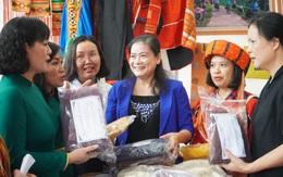 Khai mạc các gian trưng bày giới thiệu sản phẩm của hội viên, phụ nữ tỉnh Hà Giang