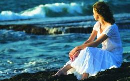 Vò võ nuôi con đợi chồng trong thương nhớ