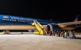 Tết đến, hàng không đua nhau tăng chuyến bay đêm, giá rẻ bất ngờ