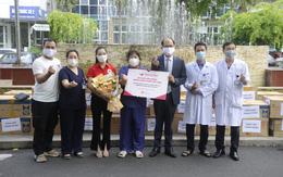 Du lịch Hàn Quốc đồng hành cùng Việt Nam tiếp sức cho tuyến đầu chống dịch