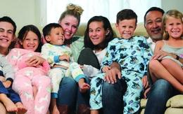 Sắp nghỉ hưu, đôi vợ chồng nhận nuôi 7 trẻ mồ côi là anh chị em ruột