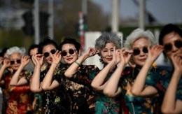 """Trung Quốc: """"Bà ngoại xì tin"""" kiếm bộn tiền từ mạng xã hội"""
