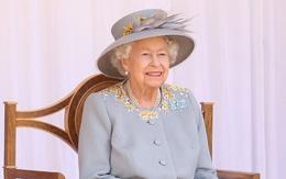 Lễ diễu binh mừng sinh nhật lần thứ 95 của Nữ hoàng Anh Elizabeth II