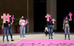 Ít nhất 10 phụ nữ và trẻ em gái bị giết hại mỗi ngày ở Mexico
