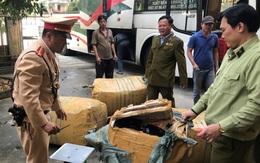 Thừa Thiên Huế: Bắt giữ ô tô biển Lào chở hàng hóa không rõ nguồn gốc đi tiêu thụ