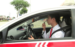 Lái xe taxi phải in hóa đơn hoặc phiếu thu tiền