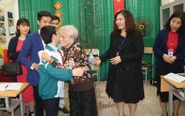 Xúc động lớp học tình thương của bà giáo 88 tuổi ở Hà Nội