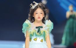 Ngày Tết của cô bé nghèo phối đồ cực chất ở vỉa hè Hà Nội