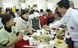 Bữa cơm tất niên chan chứa tình người của gần 600 bệnh nhân ung thư