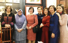 Giới thiệu hoạt động trọng tâm của Hội năm 2020 với Nhóm Phụ nữ Cộng đồng ASEAN tại Hà Nội