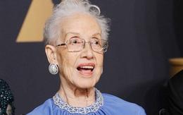 Nhà toán học huyền thoại mở đường thám hiểm vũ trụ qua đời ở tuổi 101