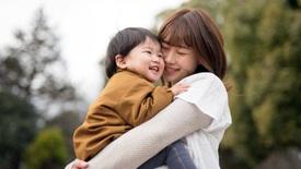 Không gì có thể ngăn được mạch nguồn cảm xúc về mẹ