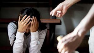Bị chồng đánh, người vợ cần thực hiện những biện pháp pháp lý gì?