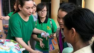 Ca sĩ Phi Nhung và hành trình thiện nguyện giúp đời, giúp người