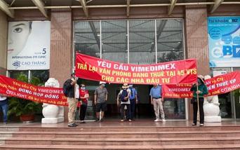 TP.HCM: Nhà đầu tư căng băng rôn đòi quyền lợi tại dự án Citilight