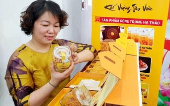 """Các nữ start-up Hà Nội """"khoe"""" sản phẩm khởi nghiệp sáng tạo"""