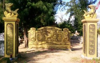 Kỳ lạ về nghĩa địa cá voi của người dân Quảng Bình