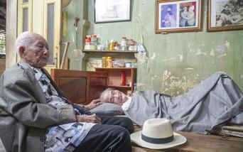 """Lần gặp mặt cuối cùng giữa """"Hùm xám đường số 4"""" 101 tuổi với nhà văn Sơn Tùng"""