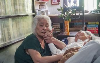 Không cầm nổi nước mắt khi xem thước phim về những năm cuối đời của nhà văn Sơn Tùng