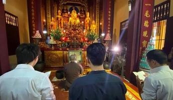 """Xúc phạm Phật giáo, nhóm tác giả bản rap """"Thích Ca Mâu Chí"""" đến chùa xin lỗi và sám hối"""