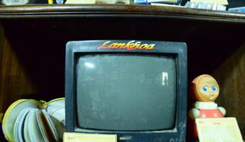 Chiếc tivi màu cùng mảnh ký ức khó phai về chuyện đi xem nhờ
